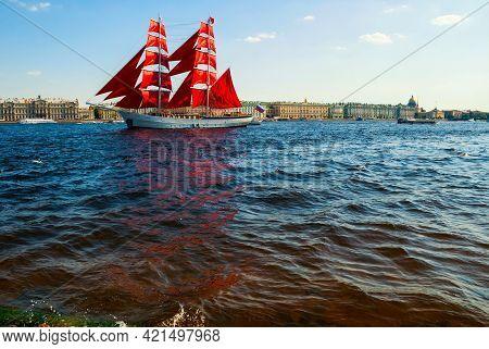 Saint Petersburg, Russia - June 6, 2019. Swedish Brig Tre Kronor With Scarlet Sails On The Neva Rive