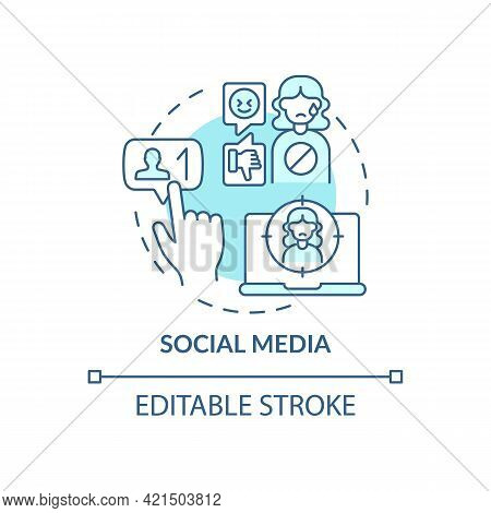 Social Media Concept Icon. Cyberbullying Channel Idea Thin Line Illustration. Hurtful Messages. Stea