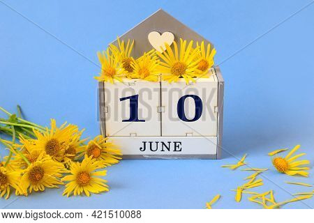 Calendar For June 10: Cubes With The Number 10 , The Name Of The Month Of June In English, Yellow Ch