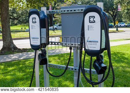New Orleans, La - September 10: Electric Vehicle Charge Station On September 10, 2020 In New Orleans