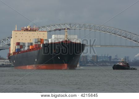 Ocean Vessel And Tug Boat