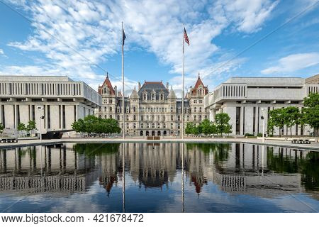 Albany, Ny - Usa - May 22, 2021: View Of The Historic New York State Capitol With Reflections In The