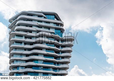 Hamburg, Germany - August 7, 2019: Marco Polo Tower. Luxury New Residential Building In Hafencity Ar