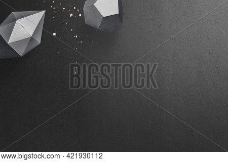 3D dark gray elongated hexagonal bipyramid and gray pentagon dodecahedron