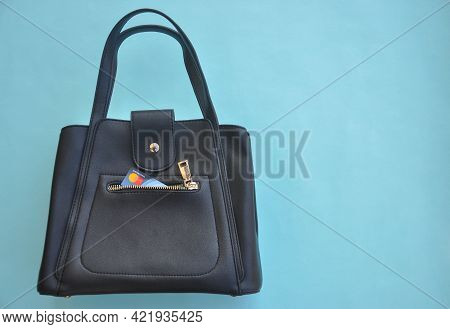 Mandi, Himachal Pradesh, India - 04 24 2021: Concept Of Digital Shopping, Mastercard On Pocket Of Pr