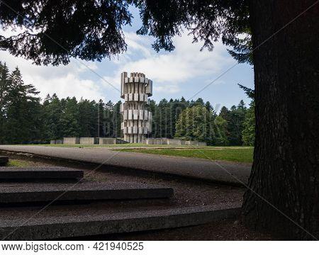 Mrakovica, Bosnia And Herzegovina-august 1, 2020:memorial Monument To The Revolution On Mrakovica, D