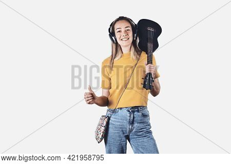Beautiful Woman Portrait. Beauty Woman Face Portrait. Beautiful Woman Portrait With Headphones And U