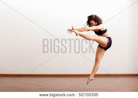Very energetic jazz dancer