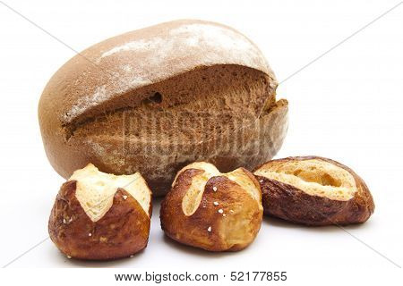 Lyes bread roll with crust bread