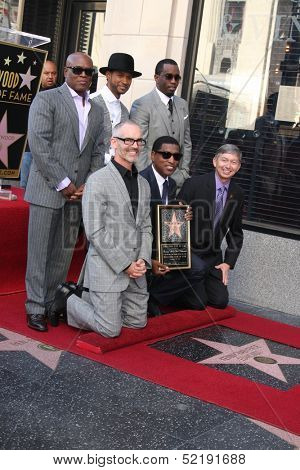 LOS ANGELES - OCT 10:  Usher, Sean Combs, Antonio Reid, Kenny Edmonds, Leron Gubler at the Kenny Edmonds Hollywood Walk of Fame Ceremony at Hollywood Boulevard on October 10, 2013 in Los Angeles, CA