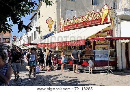 Ice Cream Shop In The Pedestrian Street Of Saintes-maries-de-la-mer