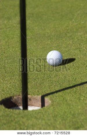 Golfball pin