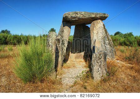 Dolmen Pedra da Orca in Gouveia