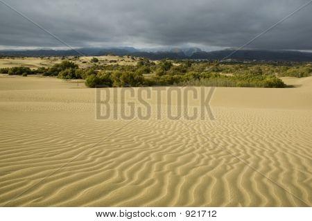 Stormy Desert2