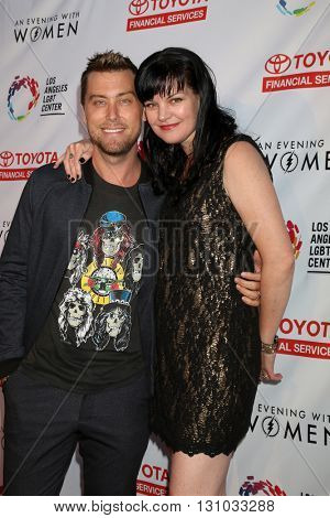 LOS ANGELES - MAY 21:  Lance Bass, Pauley Perrette at the An Evening With Women 2016 at Hollywood Palladium on May 21, 2016 in Los Angeles, CA