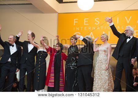A. Desplechin, L.Nemes, Vanessa Paradis, K. Shahabi, V. Golino, G. Miller, K. Dunst, D.Sutherland, M. Mikkelsen. Palme D'Or Winner Red Carpet, 69th Festival de Cannes. May 22, 2016  Cannes, France