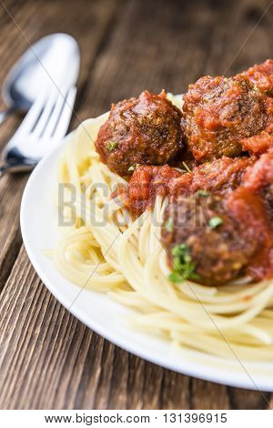 Spaghetti With Meatballs And Tomato Sauce
