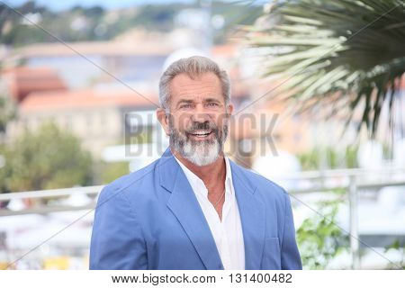 CANNES, FRANCE - MAY 21: Mel Gibson attends the 'Blood Father' Photocall during the 69th annual Cannes Film Festival at Palais des Festivals on May 21, 2016 in Cannes, France
