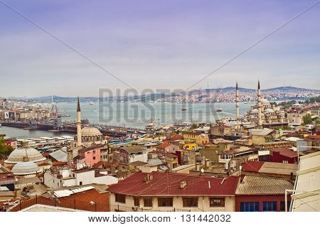 View Of Istanbul With Galata Bridge And Yeni Cami Mosque, Turkey