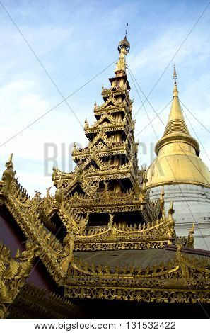 Golden stupa or jedi Thai style, temple in Thailand