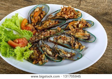 Mussels With Garlic