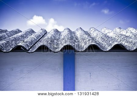 Asbestos roof - Medical studies have shown that the asbestos particles can cause cancer