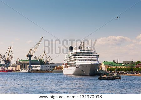 ST. PETERSBURG, RUSSIA -MAY 23, 2016: Cruise ship at the embankment of the Neva River