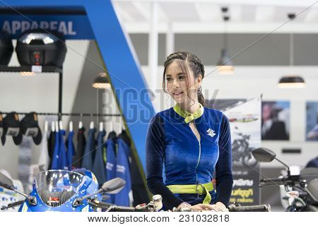 Bangkok-thailand-3 December 2017: An Unidentified Female Presenter Models At Motorbike Booth  At Mot