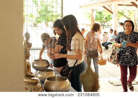 Local Temple Songkhla, Thailand - Sep, 20, 2017 : Women And Kids Make Annual Merit In Local Temple.