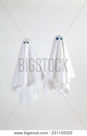Couple Ghost Back White