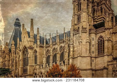 Old Photo With Cathedral Of St. Michael And St. Gudula, A Roman Catholic Church At The Treurenberg H
