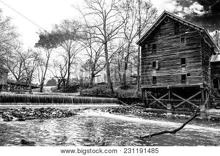 Childersburg, Alabama, Usa - March 25, 2017: Kymulga Grist Mill On Talledega Creek Is Original To Ci