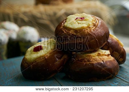 Fresh Homemade Patties With Cottage Cheese, Traditional Russian Pastry Vatrushka, Round Buns, Curd T
