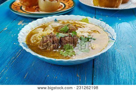 Moroccan Meatball Couscous Soup