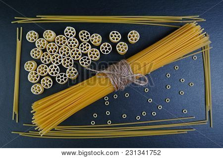 Different Kinds Raw Pasta From Whole Wheat,spaghetti,noodles, Tselentani,chiferi,fusilli,shells,rote