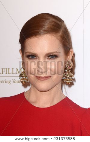 LOS ANGELES - MAR 13:  Darby Stanchfield at the Fulfillment Fund Gala at Dolby Theater on March 13, 2018 in Los Angeles, CA