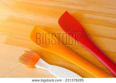 Silicone Spatulas And Brushes For Cooking