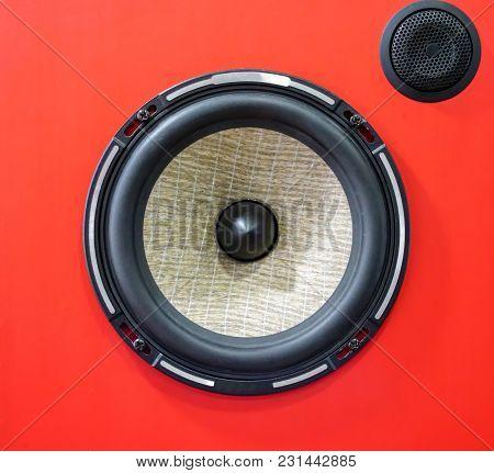 Hi-fi Sound Speaker Box. Red Speaker Box And Black Silk Hifi Tweeter.