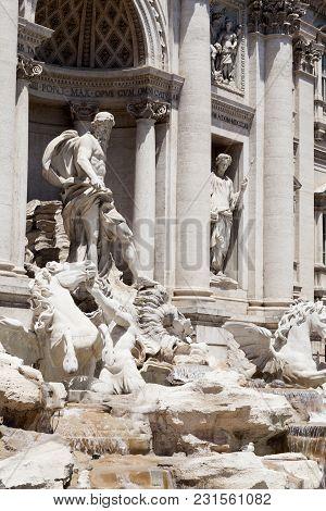 2981166 Trevi Fountain Rome Oceanus