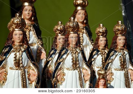 Lo Vasquez's Virgins