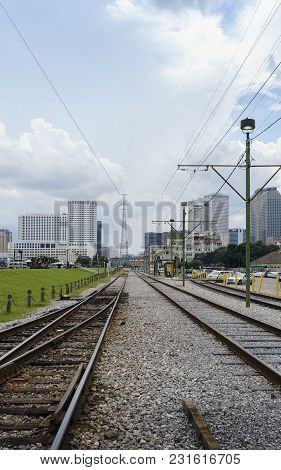 New Orleans, Usa - Aug 20, 2017: Railway Tracks Near Dumaine Street Station (french Quarter), Overlo