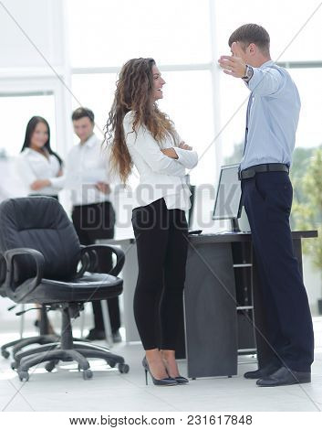 project managers discuss the documentation