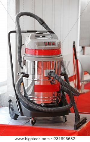 Big Commercial Vacuum Cleaner With Wheel Cart