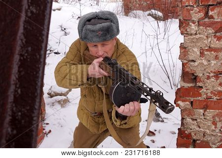Fighter Of Red Army With The Ppsh Machine Gun In Ruins Of Stalingrad (a Staff Of A Division Of Lyudn