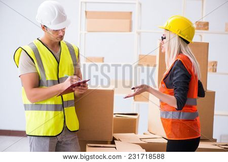 Delivery contractor delivering boxes to office