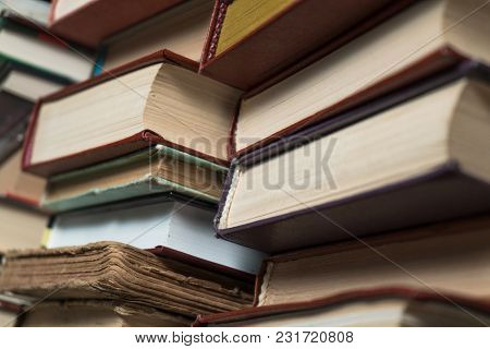 Many Books In A Bookstore Or Library