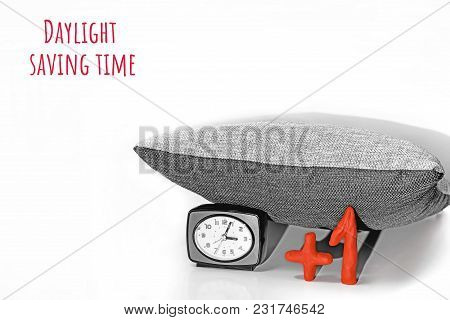 Daylight Saving Time. Dst. Wall Clock Going To Winter Time.