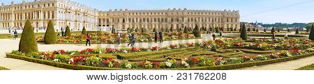 Chateau De Versailles Gardens In Paris, France.