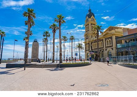 Glenelg, Australia - November 13, 2017: Moseley Square And Glenelg Town Hall With Clock Tower