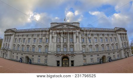 London, England - November 29, 2017: Panoramic View With Fish-eye Lens Of Buckingham Palace, Residen